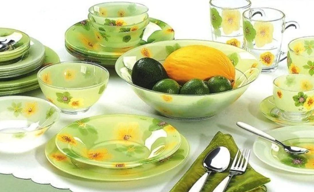 kitchen-glass-dishes